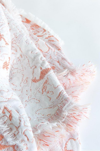 Roos-Soetekouw-plaid-Fringe-No6-coral-detail.jpg